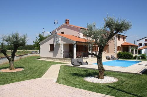 Villa Karolina Holiday house