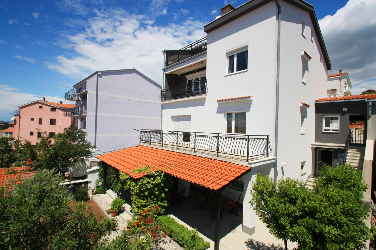 Crikvenica 5493 1-room-suite